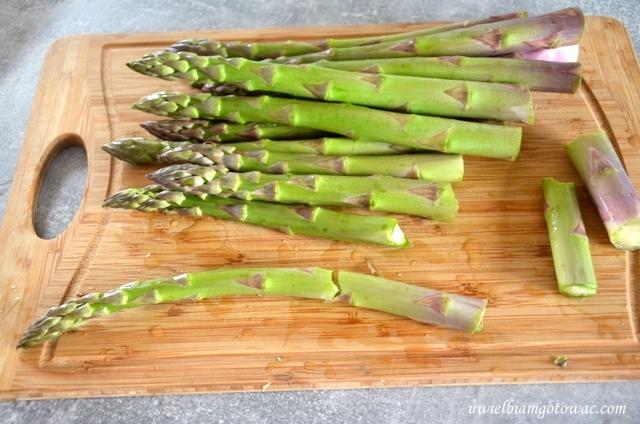 Szparagi - jak kupować, obierać i gotować?