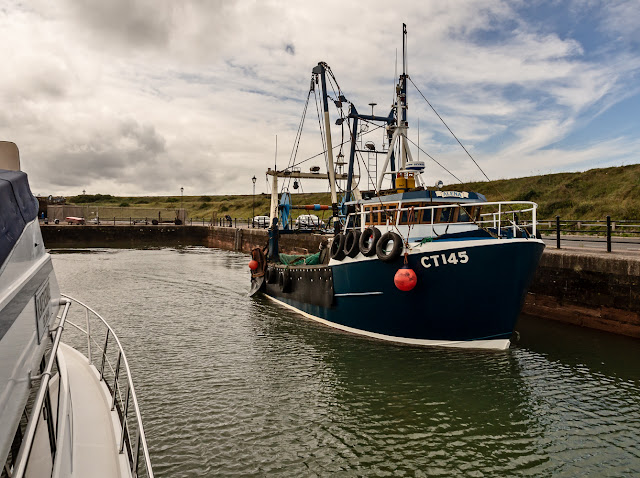 Photo of Alena of Castletown leaving the marina