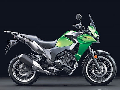 2017 Kawasaki Versys-X 300 Right side view image