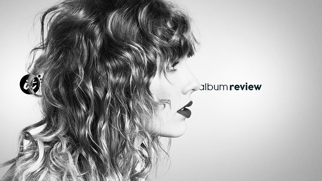 """""""reputation"""" soa como uma fase de transição que ainda não chegou ao fim, talvez dando margem pra que, em seus próximos passos, descubramos uma Taylor Swift que amadureceu com seus erros."""