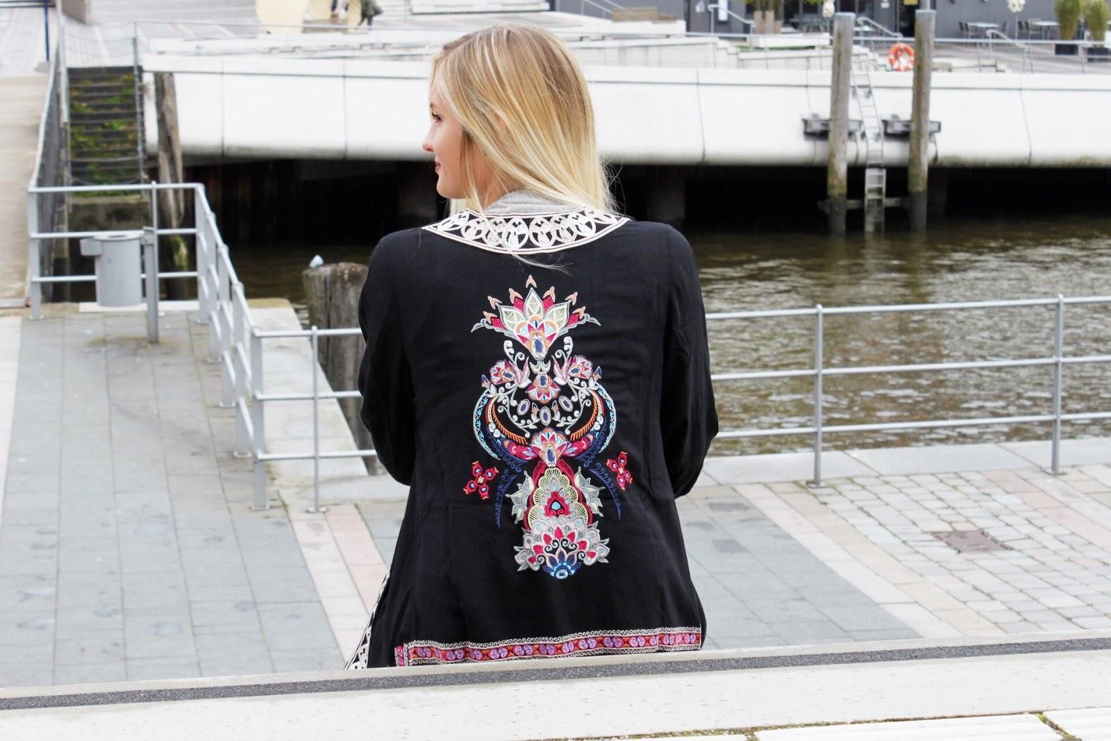Outfit: used jeans + bohemian kimono