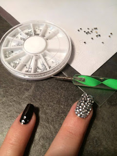 tutorial unghie con strass, video