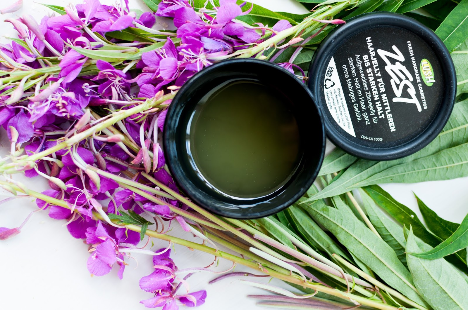 vanvivoi review Lush ZESTE hair styling gel