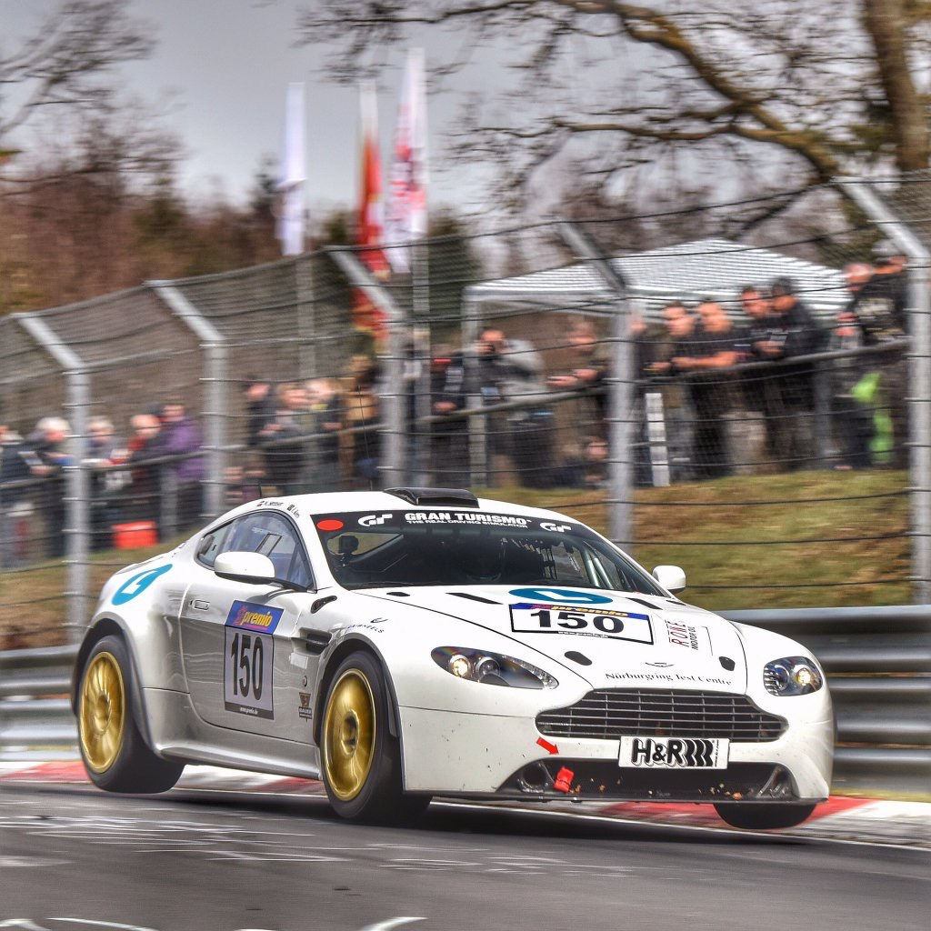 It has now been announced that jamie chadwick will team up with oman racing s ahmad al harthy for this weekends round of the german vln series at the