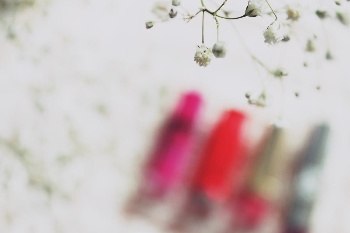 #wiosennik bawrwy wiosny szminki pomadki na wiosnę wiosenna pomadka jakie kolory szminki na wiosnę