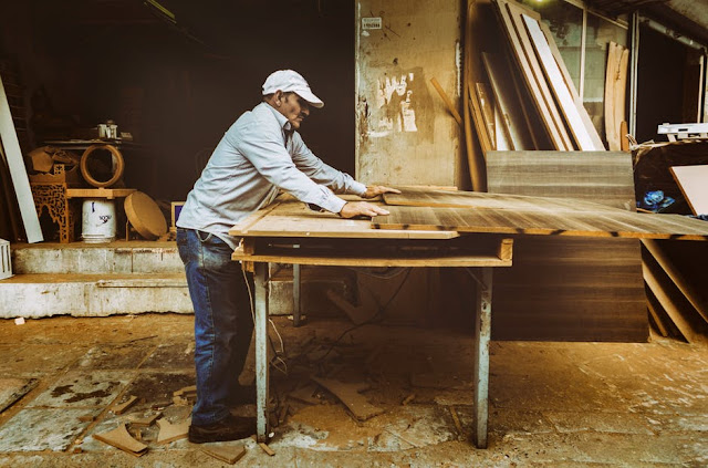 artisan-business-carpenter-carpentry