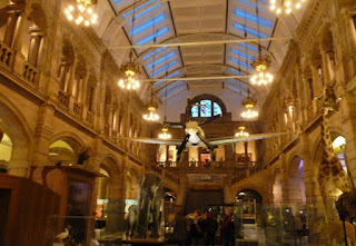Glasgow. Kevingrove Art Gallery and Museum.