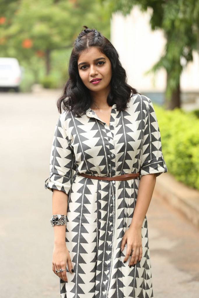 Swathi At London Babulu Movie Trailer Launch Gallery