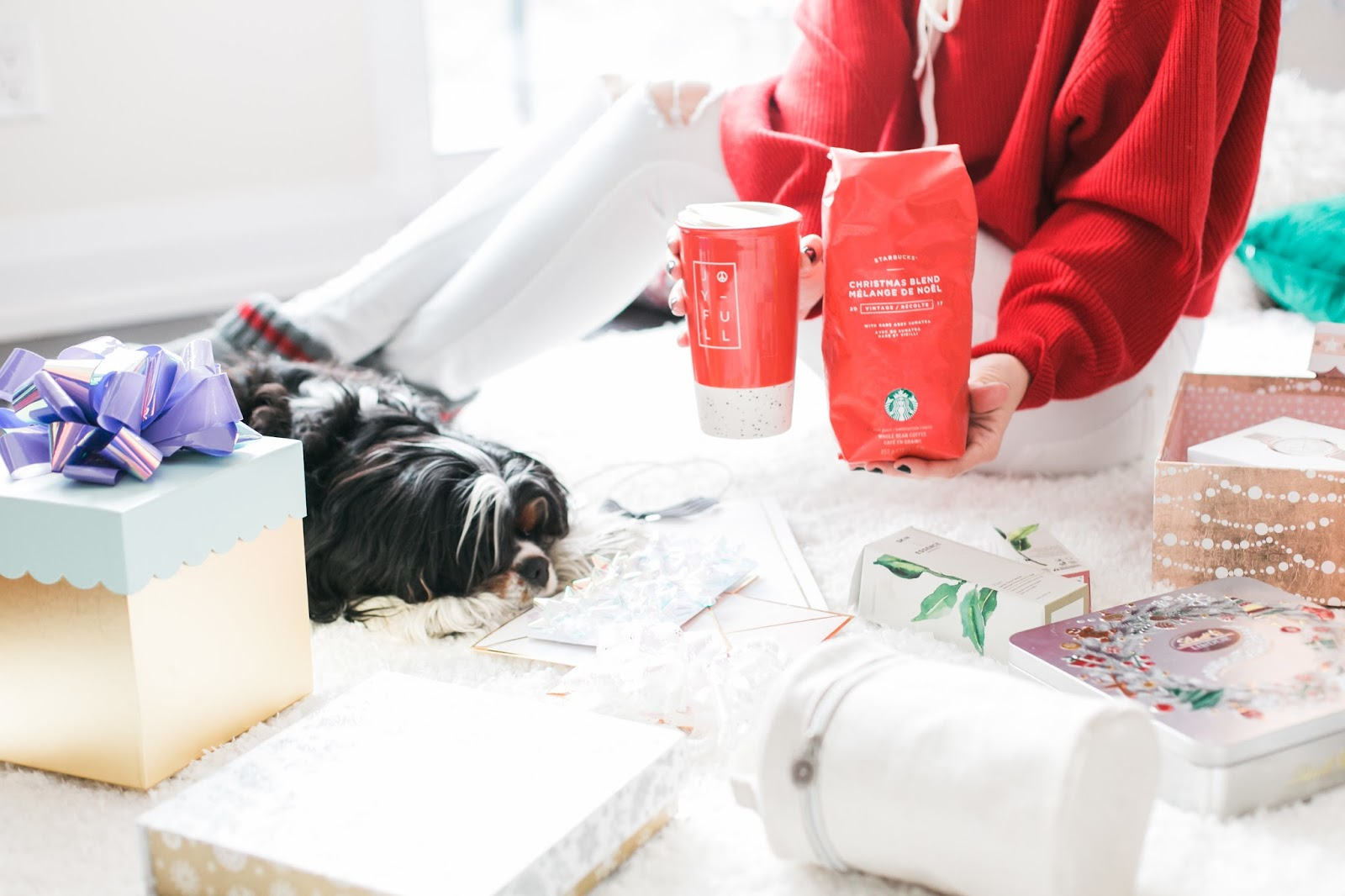 Bijuleni - Holiday Gift Guide For Her With Holt Renfrew Centre - Starbucks coffee