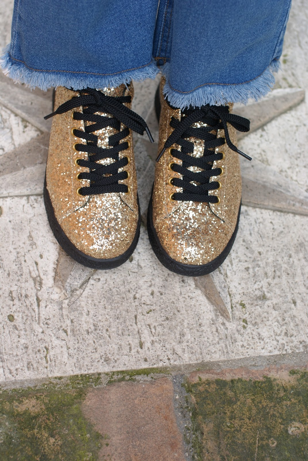 Bikkembergs golden glitter sneakers on Fashion and Cookies fashion blog, fashion blogger style