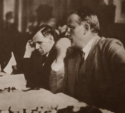 Los ajedrecistas Ladislav Prokes y Amos Pokorny