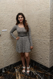 Surabhi at vivo phone launch 001