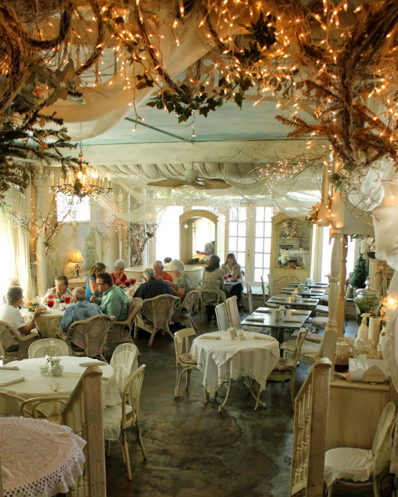 Aiken house gardens april 2014 for Tea room interior design ideas