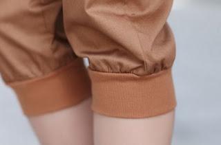 Pantalones Capris hasta las rodillas confeccionados en algodón