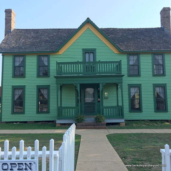 exterior of farmhouse at Nash Farm in Grapevine, Texas