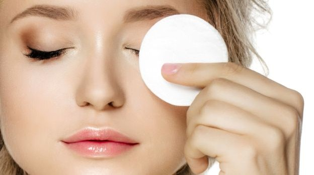 How To Make Your Face Look Younger - Quick Fixes For A Fresh Look