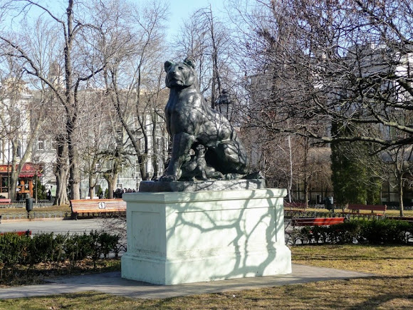 Одеса. Скульптури левів