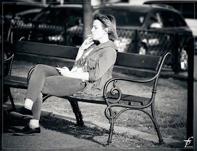 chica fumando tabaco