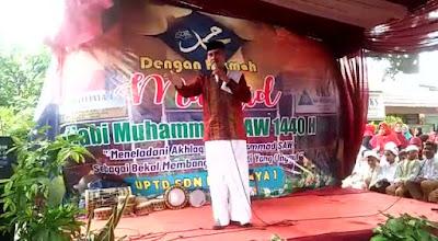 Ustad Dudung Abdussalam saat ceramah di SDN Ratujaya 1