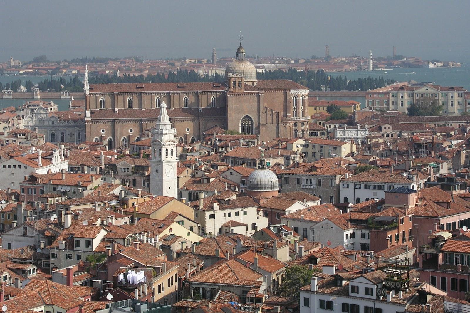 サン・マルコの鐘楼からのヴェネツィア市街の眺め