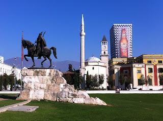 Albania, Tirana, Riitta reissaa, ratsastusmatkailu