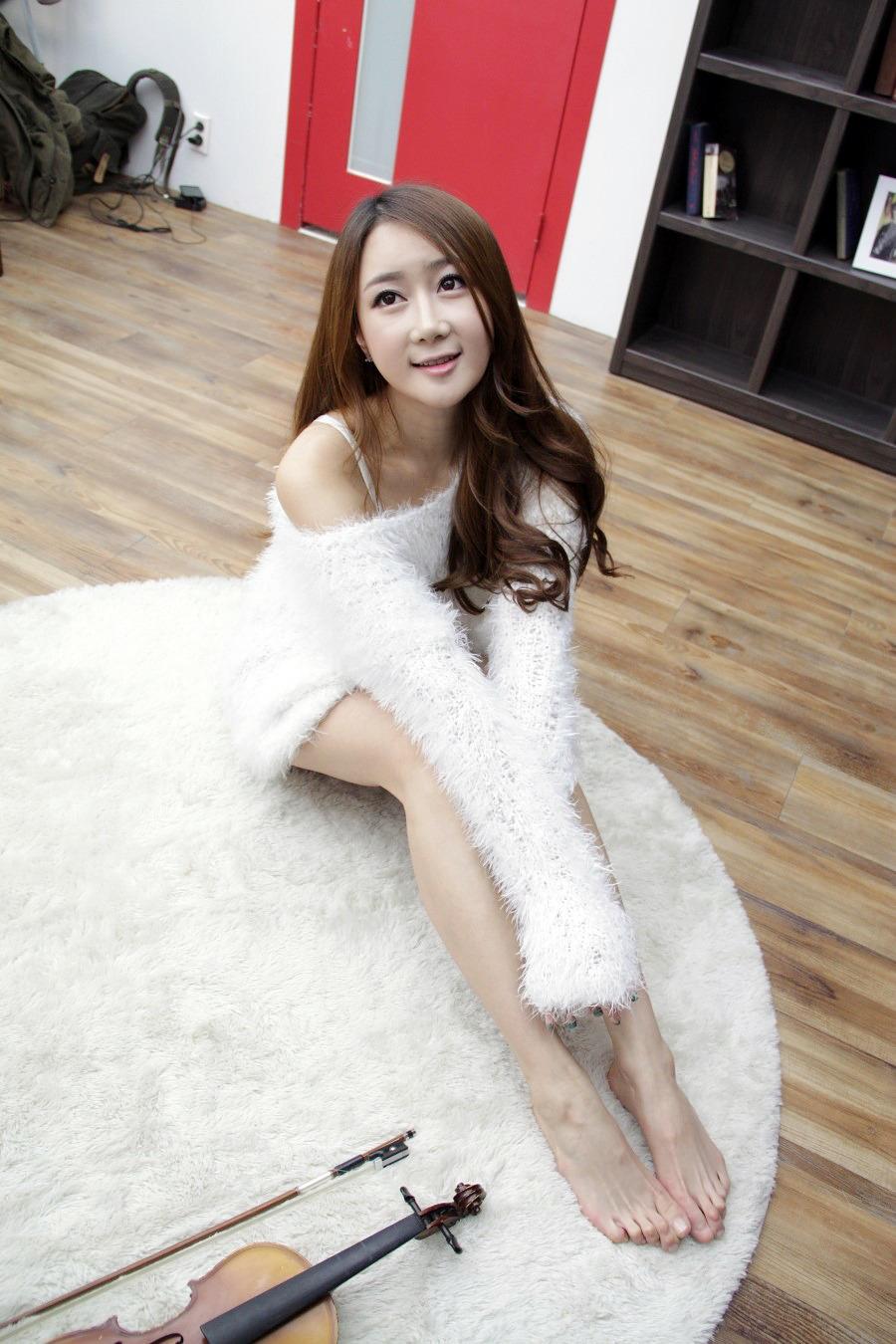 Xxx Nude Girls Han Chae Yee In White