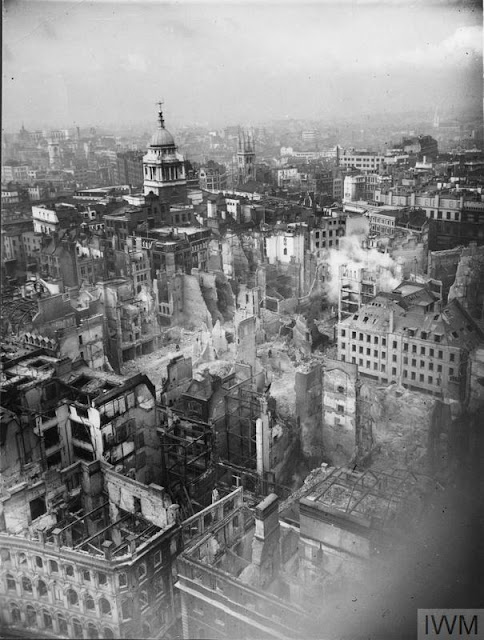 29 December 1940 worldwartwo.filminspector.com Second Great Fire of London