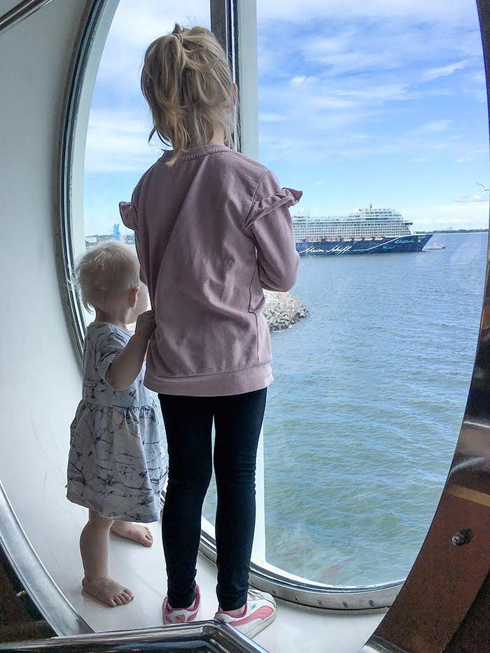 Eckerö line, matkustus, laivalla Tallinnaan