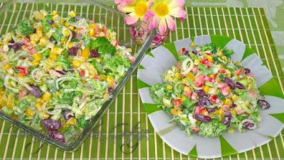 Przepis na sałatkę z brokułem i papryką