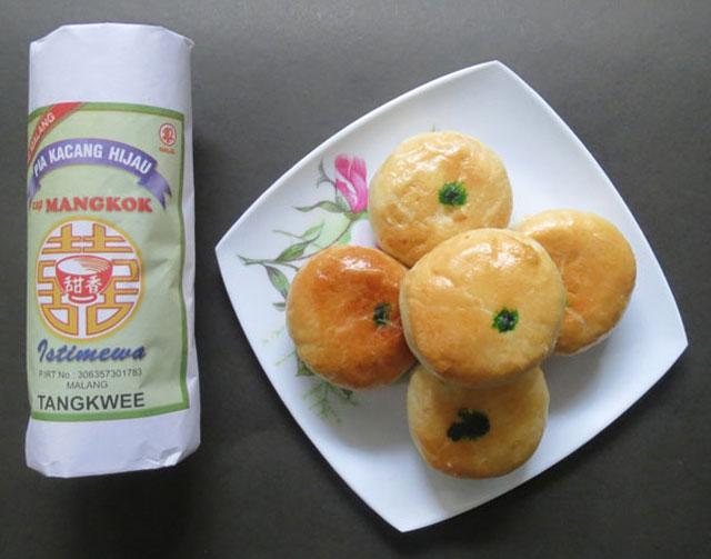 Kue Pia Mangkok