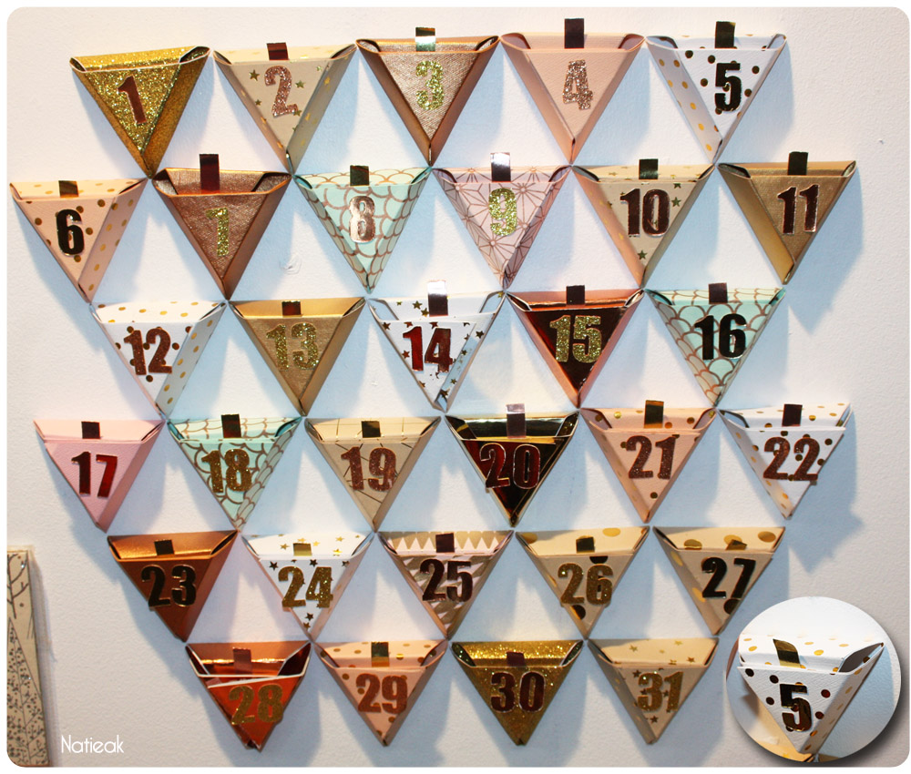 calendrier de l'avent en forme de triangle