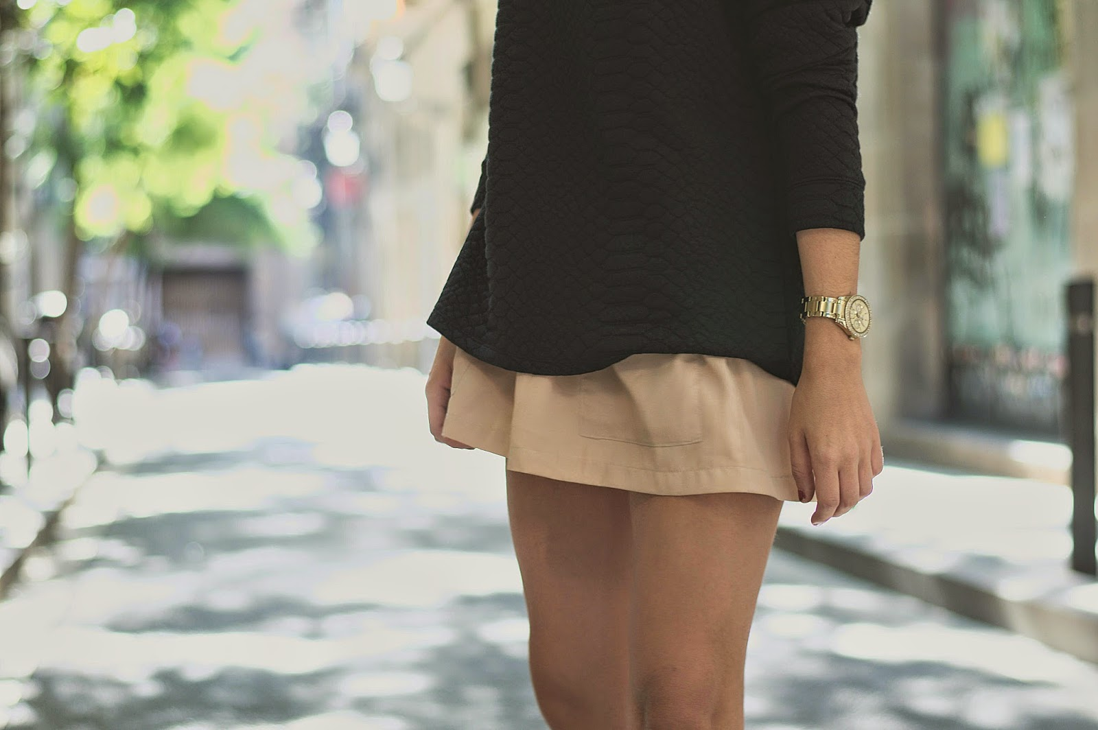 jersey H&M, Shorts Pepa Loves, bolso Zara, mocasines Geox