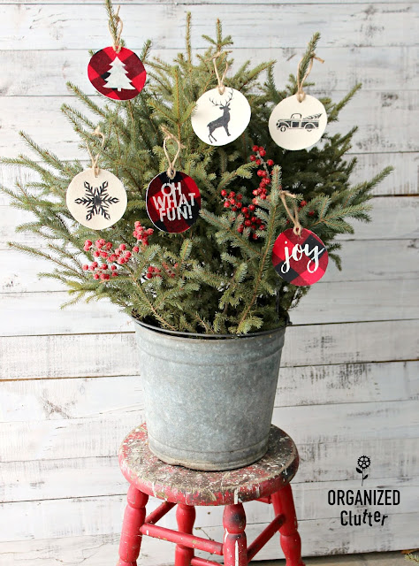 Easy Stenciled Fabric Christmas Tree Ornaments