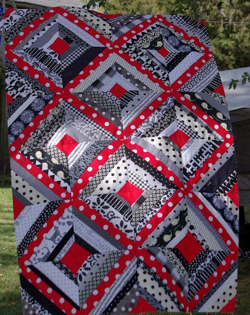 Sane Crazy Crumby Quilting What S Black And White And