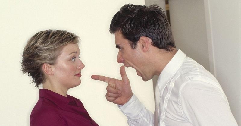 Como Lidar Com um Marido Irritado Sem Sacrificar Sua Dignidade