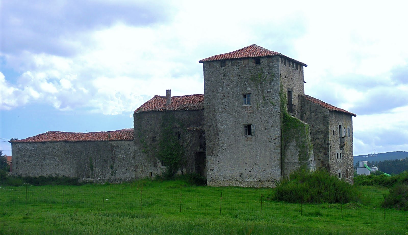 Resultado de imagen para Casa-torre de los Calderón de La Barca