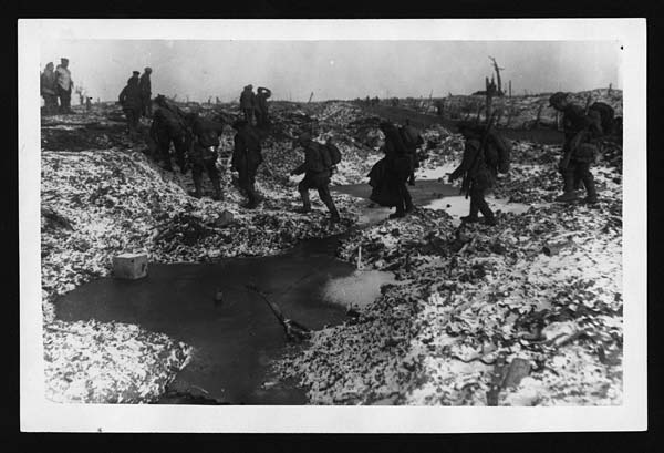 world war one trench warfare essay The trench warfare of ww1 was a nasty and horrible place that left the soldiers with scars that transcended the physical plane disease, mud, lice and boredom were some of the worst things soldiers recount about the life in the trenches on the western front.