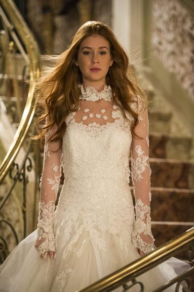 Nicole (Marina Rui Barbosa) em Amor a vida, vestido de noiva, Lethicia Bronstein