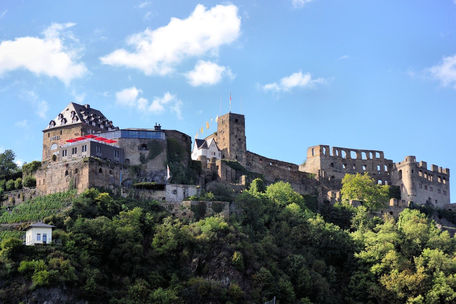 Rheinfels Castle stands reborn today and is home to a hotel, restaurant, wine cellar and museum.