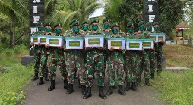 Personel Satgas Yonif 411 Kostrad di Merauke Terima Bingkisan Kasad