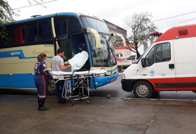 Homem morre dentro de ônibus