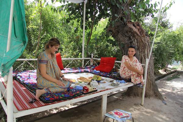 Tadjikistan, Douchanbé, Dehnavaki-Bolo, Mounira, Morhu, tapshan, tapchane, © L. Gigout, 2012