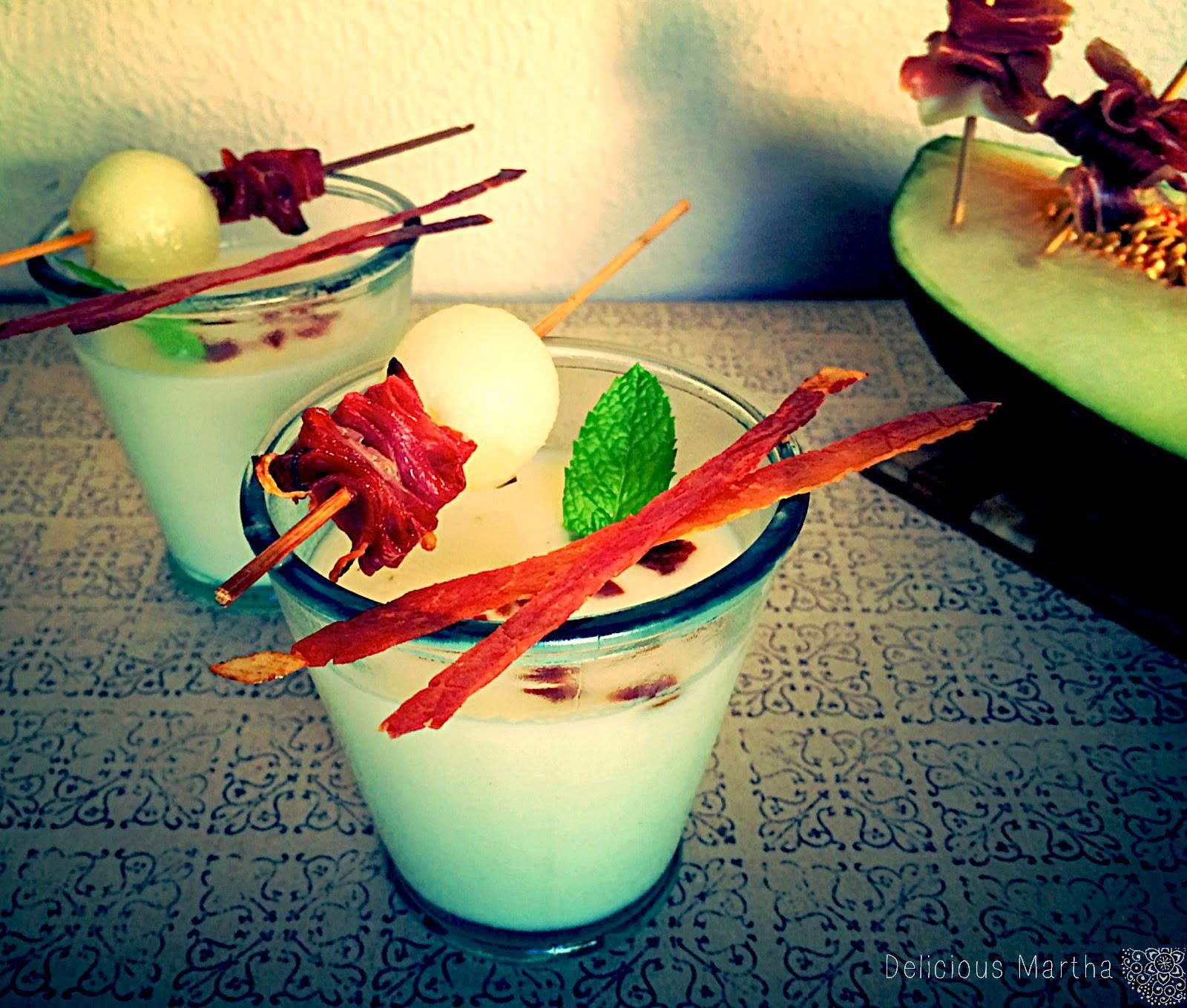 Crema de melón con crujiente de ibérico