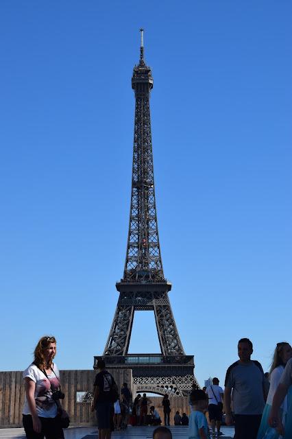 Paryż w pigułce #2 - La Tour Eiffel - zdjęcie 4 - Francuski przy kawie