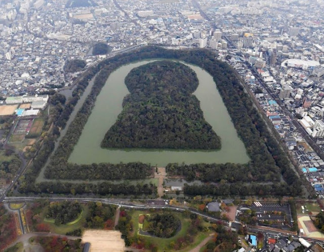 Well-made stone pavement found at Japan's largest ancient tomb site