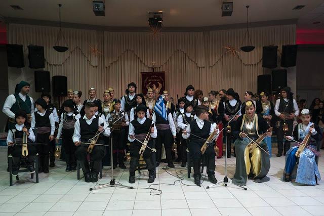 «Βούλιαξε» ο Παρθενώνας στον ετήσιο χορό της Ευξείνου Λέσχης Χαρίεσσας (Φωτο)