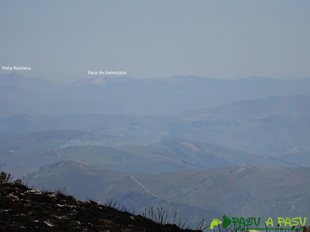Vista de Peña Manteca y la Fana de Genestaza desde el Pico Cervero