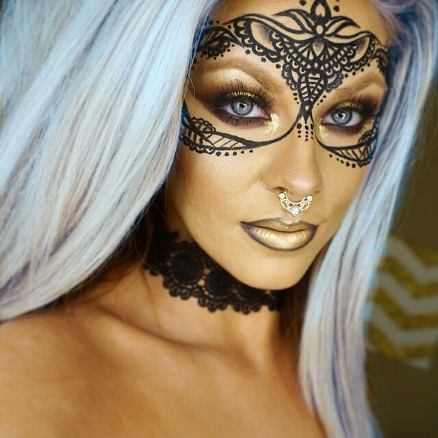 03-Lace make-up look-Jade-Deacon-Fantasy-Transformations-for-Halloween-with-Body-Paint-www-designstack-co