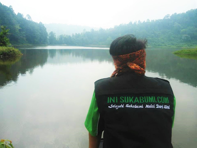 Perpaduan Antara Pegunungan dan Danau Itu Ada di Situgunung Sukabumi