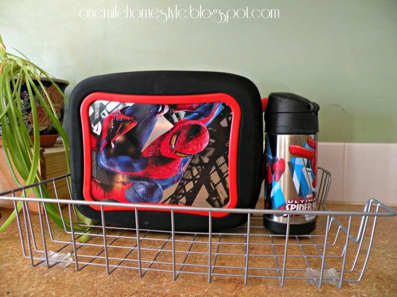 Countertop lunchbox organzing